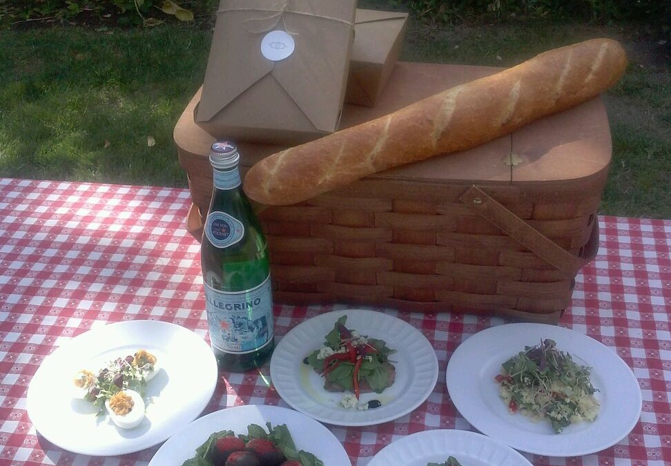 Sacramento Picnic Company Customizes Picnic Baskets with Locally Sourced Food and Drink