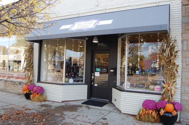 Sum Girls Boutique in Berkley: a Place for Shopping, Learning – and Having Fun